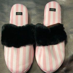 Victoria secret slippers size large